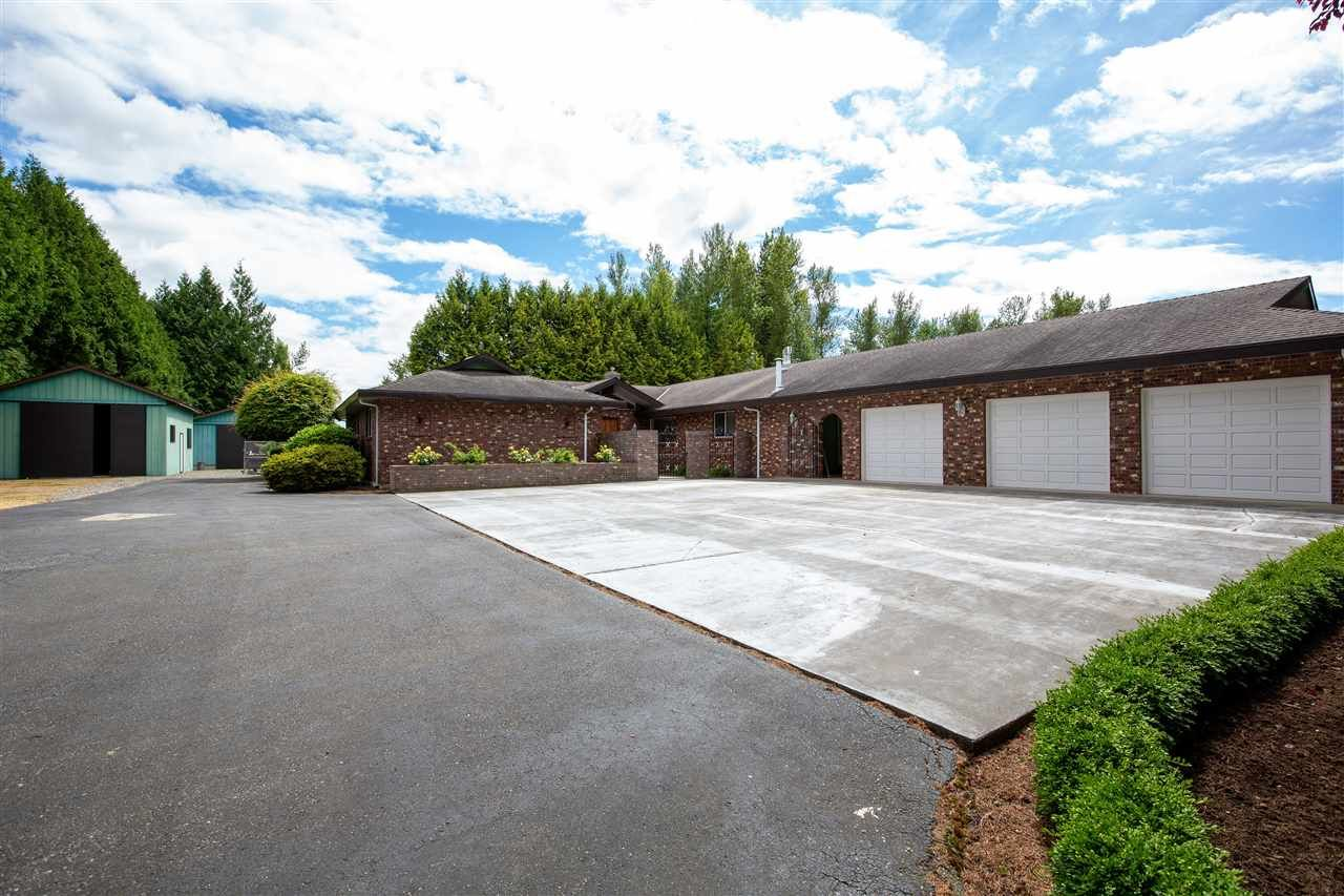 Main Photo: 27710 QUINTON AVENUE in : Aberdeen House for sale : MLS®# R2469289