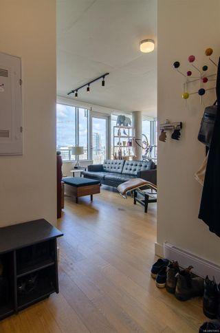 Photo 8: 810 989 E Johnson St in : Vi Downtown Condo for sale (Victoria)  : MLS®# 870955