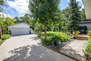 Photo 33: 827 Pepperloaf Crescent in Winnipeg: Charleswood Residential for sale (1G)  : MLS®# 202122244