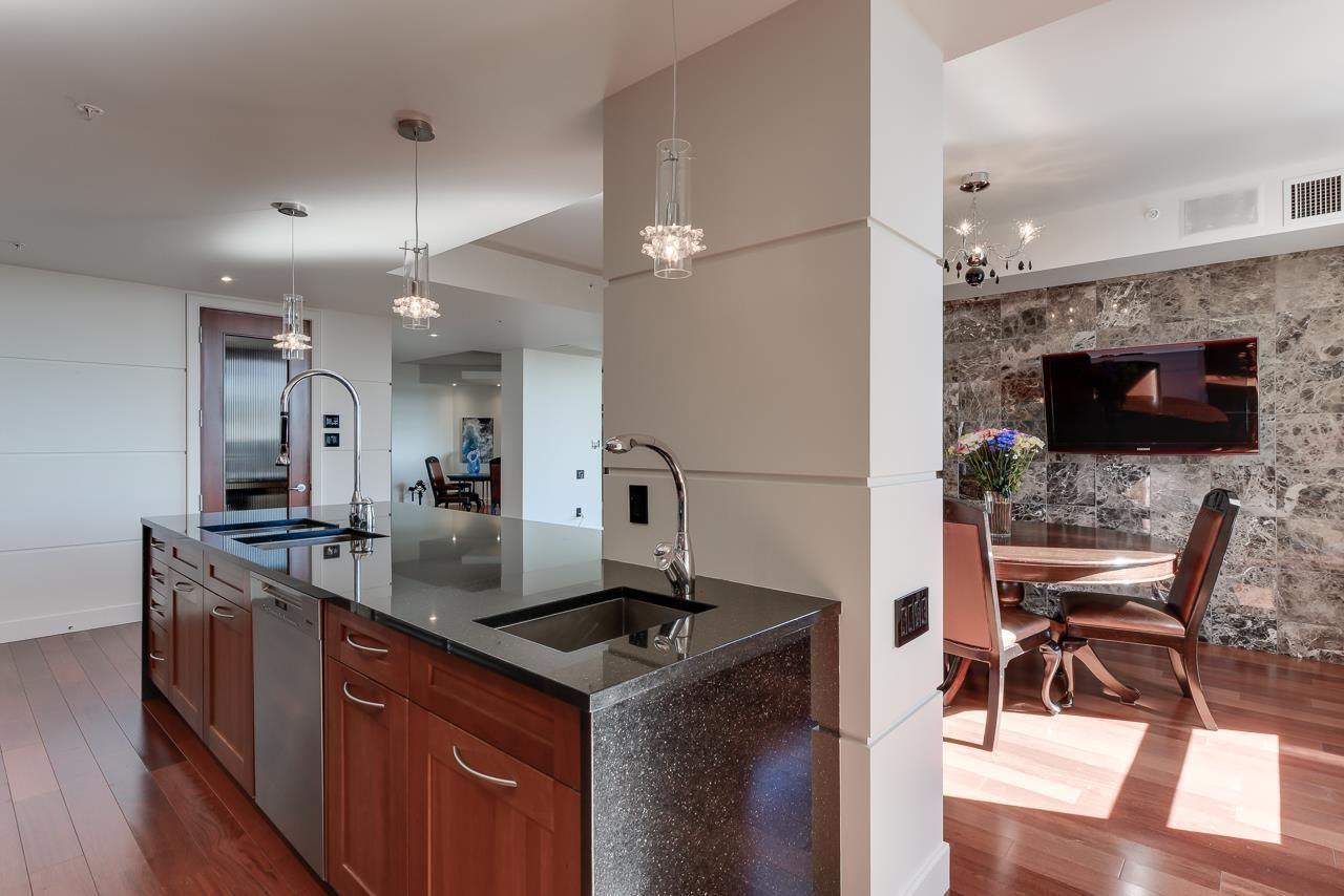 Photo 13: Photos: 1200 11933 JASPER Avenue in Edmonton: Zone 12 Condo for sale : MLS®# E4208205