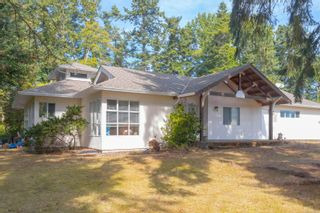 Photo 3: 9320/9316 Lochside Dr in : NS Bazan Bay House for sale (North Saanich)  : MLS®# 886022