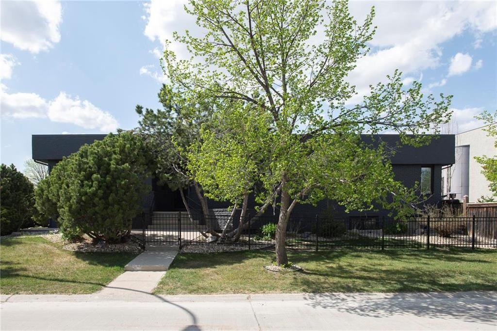 Main Photo: 51 Dumbarton Boulevard in Winnipeg: Tuxedo Residential for sale (1E)  : MLS®# 202111776