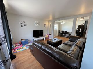 Photo 2: 882 10th Street NW in Portage la Prairie: House for sale : MLS®# 202111216