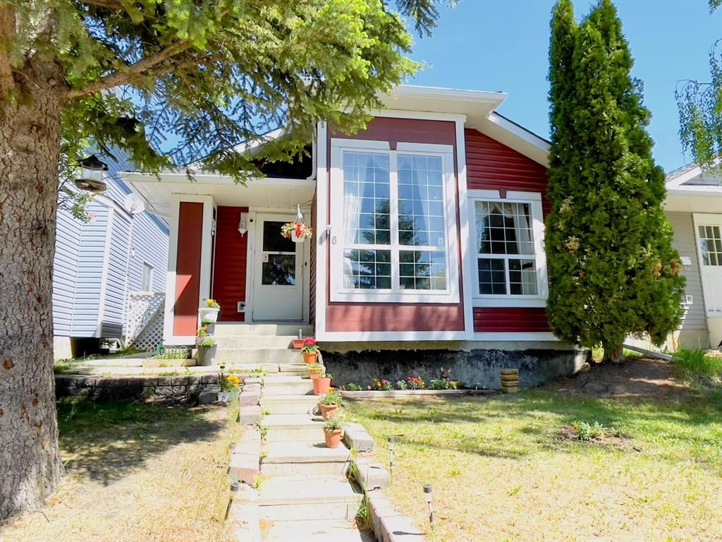 Main Photo: 16 MARTINWOOD Way NE in Calgary: Martindale Detached for sale : MLS®# A1121421