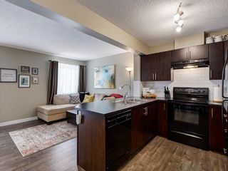 Photo 3: 6 Pantego Lane NW in Calgary: Panorama Hills Row/Townhouse for sale : MLS®# C4286058