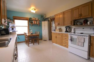 Photo 10: 520 29 Avenue NW in Calgary: Mount Pleasant Detached for sale : MLS®# A1134159