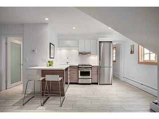 """Photo 8: A&B 120 W 17TH Street in North Vancouver: Central Lonsdale Condo for sale in """"THE OLD COLONOY"""" : MLS®# V1035638"""