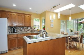 Photo 8: 17 ARROW-WOOD Place in Port Moody: Heritage Mountain House for sale : MLS®# R2177275