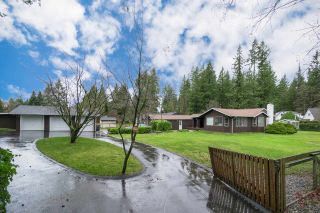 Photo 2: 23588 52 Avenue in Langley: Salmon River House for sale : MLS®# R2238287