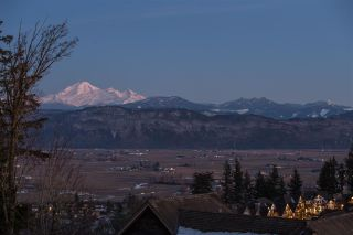 """Photo 6: B 2640 LARKSPUR Court in Abbotsford: Abbotsford East House for sale in """"Eagle Mountain"""" : MLS®# R2344848"""