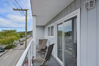 "Photo 11: 206 14881 MARINE Drive: White Rock Condo for sale in ""Driftwood Arms"" (South Surrey White Rock)  : MLS®# R2381349"