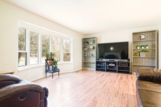 Photo 3: 547 Linshart Rd in : CV Comox (Town of) House for sale (Comox Valley)  : MLS®# 868859