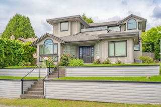 Main Photo: 1517 LAWSON Avenue in West Vancouver: Ambleside House for sale : MLS®# R2610728