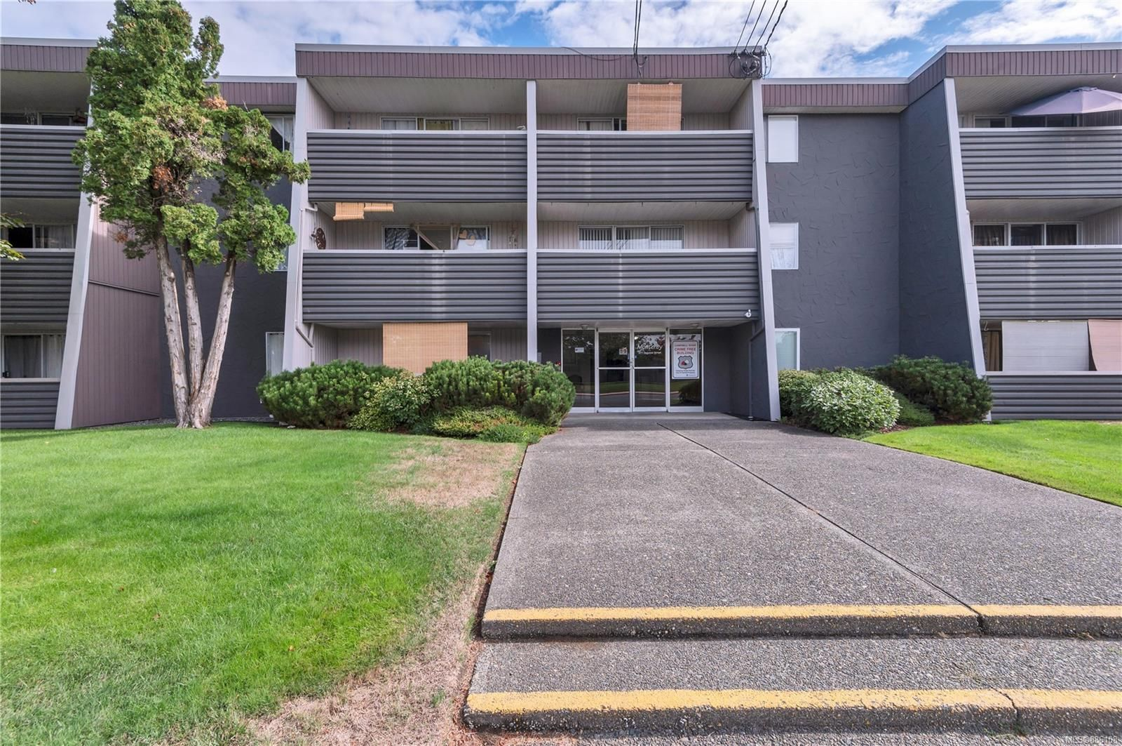 Main Photo: 210 377 Dogwood St in : CR Campbell River Central Condo for sale (Campbell River)  : MLS®# 886108