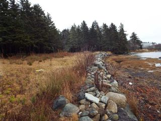 Photo 3: 331 Highway in Voglers Cove: 405-Lunenburg County Vacant Land for sale (South Shore)  : MLS®# 201601512