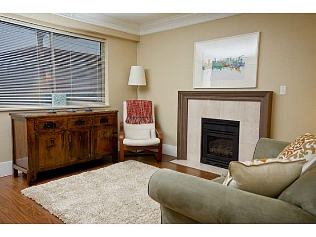 """Main Photo: # 204 1723 FRANCES ST in Vancouver: Hastings Condo  in """"SHALIMAR GARDENS"""" (Vancouver East)  : MLS®# V1047168"""