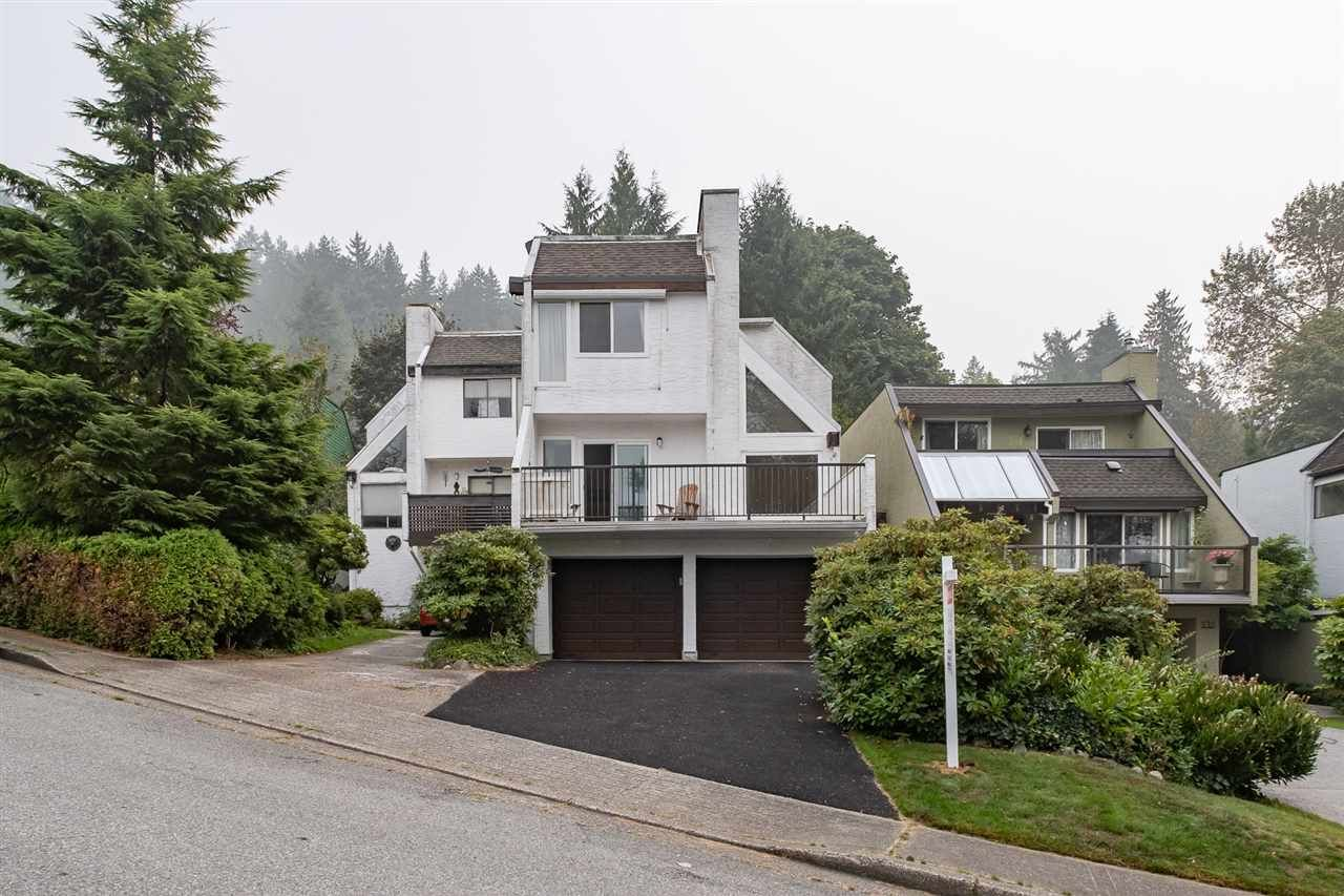 Main Photo: 537 SAN REMO Drive in Port Moody: North Shore Pt Moody House for sale : MLS®# R2498199