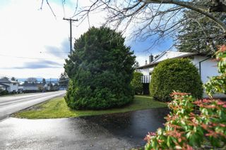 Photo 3: 369 Aitken St in : CV Comox (Town of) House for sale (Comox Valley)  : MLS®# 860611