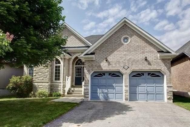 Main Photo: 26 Hawstead Cres in Whitby: Freehold for sale : MLS®# E4245069