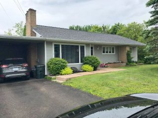 Photo 1: 1 Smith Avenue in Springhill: 102S-South Of Hwy 104, Parrsboro and area Residential for sale (Northern Region)  : MLS®# 201915194