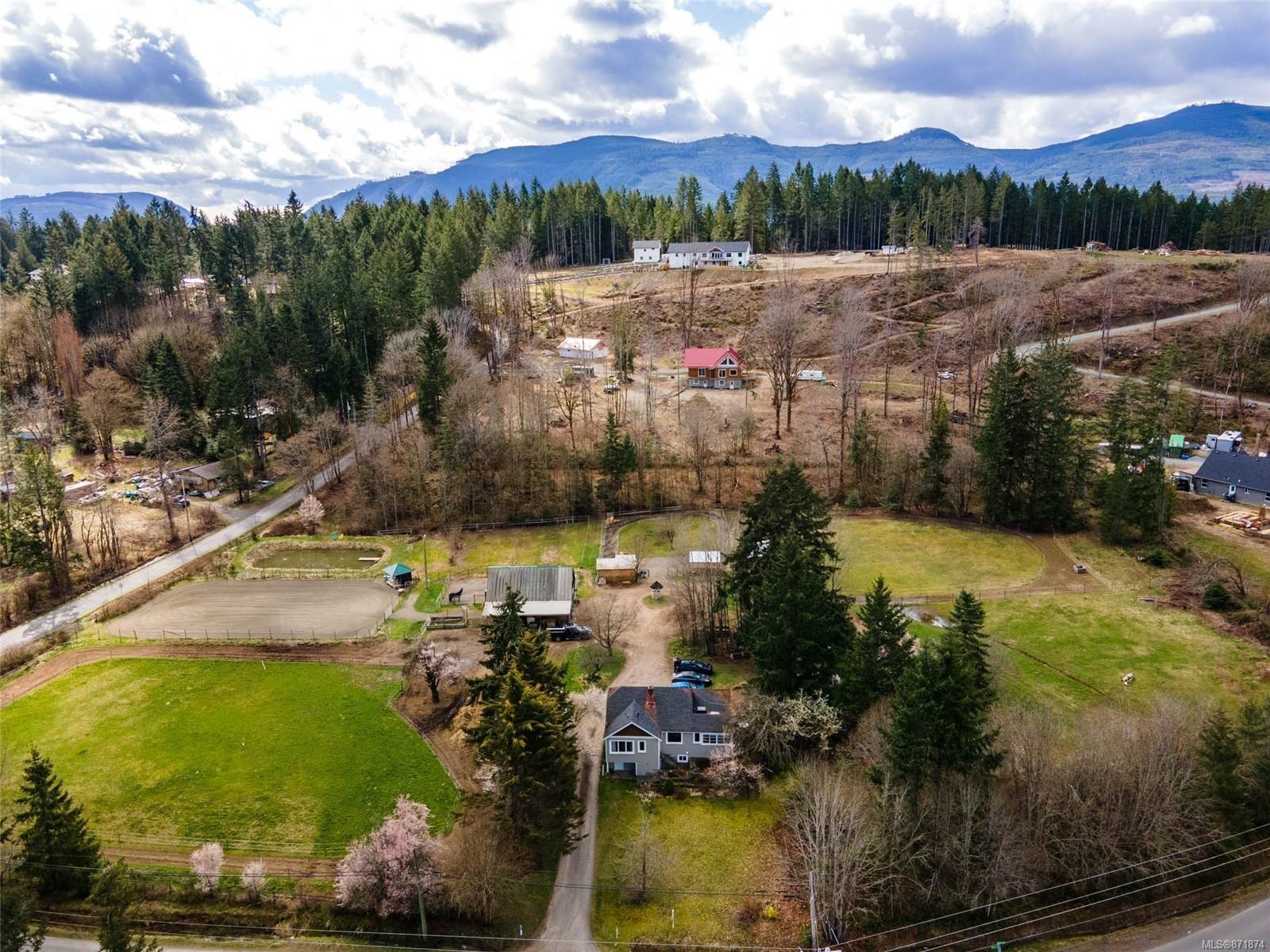 Main Photo: 4146 Gibbins Rd in : Du West Duncan House for sale (Duncan)  : MLS®# 871874
