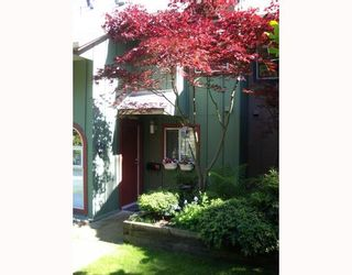 """Photo 1: 29 900 W 17TH Street in North_Vancouver: Hamilton Townhouse for sale in """"FOXWOOD HILLS"""" (North Vancouver)  : MLS®# V690097"""