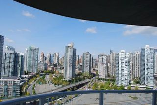 Photo 4: 2306 918 COOPERAGE Way in Vancouver: False Creek North Condo for sale (Vancouver West)  : MLS®# V854637