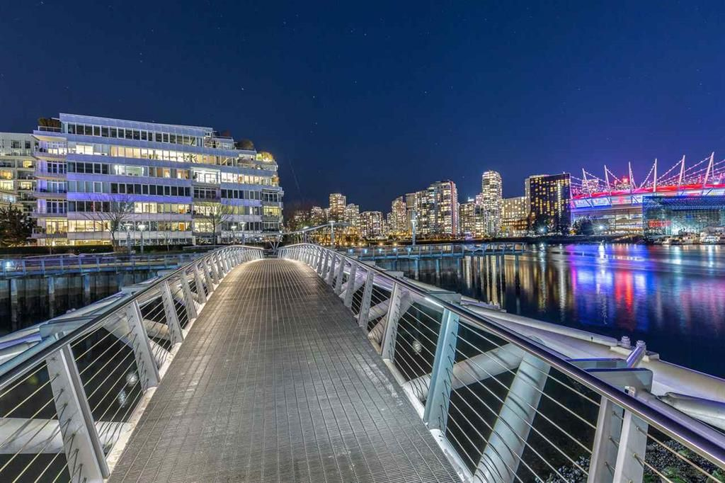 Main Photo: 1511 ATHLETES WAY in VANCOUVER: Condo for sale