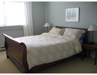 """Photo 2: 11160 KINGSGROVE Ave in Richmond: Ironwood Townhouse for sale in """"CEDAR GROVE ESTATE"""" : MLS®# V635440"""