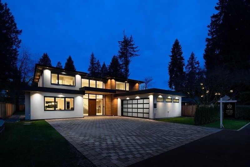 FEATURED LISTING: 2795 COLWOOD Drive North Vancouver
