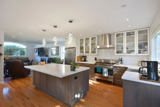 """Photo 11: 863 INGLIS Road in Gibsons: Gibsons & Area House for sale in """"Oceanmount"""" (Sunshine Coast)  : MLS®# R2618699"""