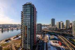 """Photo 9: 1705 33 SMITHE Street in Vancouver: Yaletown Condo for sale in """"COOPERS LOOKOUT"""" (Vancouver West)  : MLS®# R2129827"""