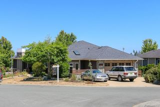 Photo 2: 6443 Fox Glove Terr in Central Saanich: CS Tanner House for sale : MLS®# 882634
