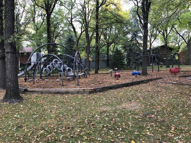 Photo 36: Photos: 306 Wildwood Park in Winnipeg: Wildwood Single Family Detached for sale (1J)  : MLS®# 1728410