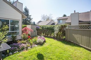 """Photo 15: 6109 GREENSIDE Drive in Surrey: Cloverdale BC Townhouse for sale in """"Greenside Estates"""" (Cloverdale)  : MLS®# R2264200"""