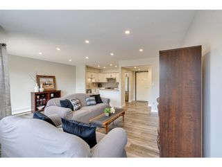 """Photo 4: 116 31955 OLD YALE Road in Abbotsford: Abbotsford West Condo for sale in """"Evergreen Village"""" : MLS®# R2620283"""