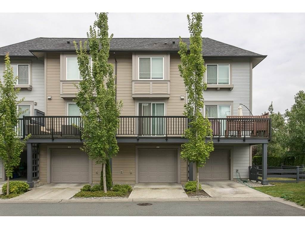 """Main Photo: 27 6450 187 Street in Surrey: Cloverdale BC Townhouse for sale in """"Hillcrest"""" (Cloverdale)  : MLS®# R2096437"""