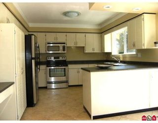 "Photo 4: 15260 KILDARE Drive in Surrey: Sullivan Station House for sale in ""SULLIVAN STATION"" : MLS®# F2900030"