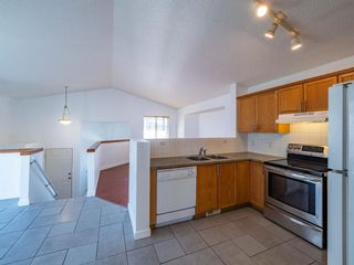 Photo 3: 206 Martinvalley Mews NE in Calgary: Martindale Detached for sale : MLS®# A1076021