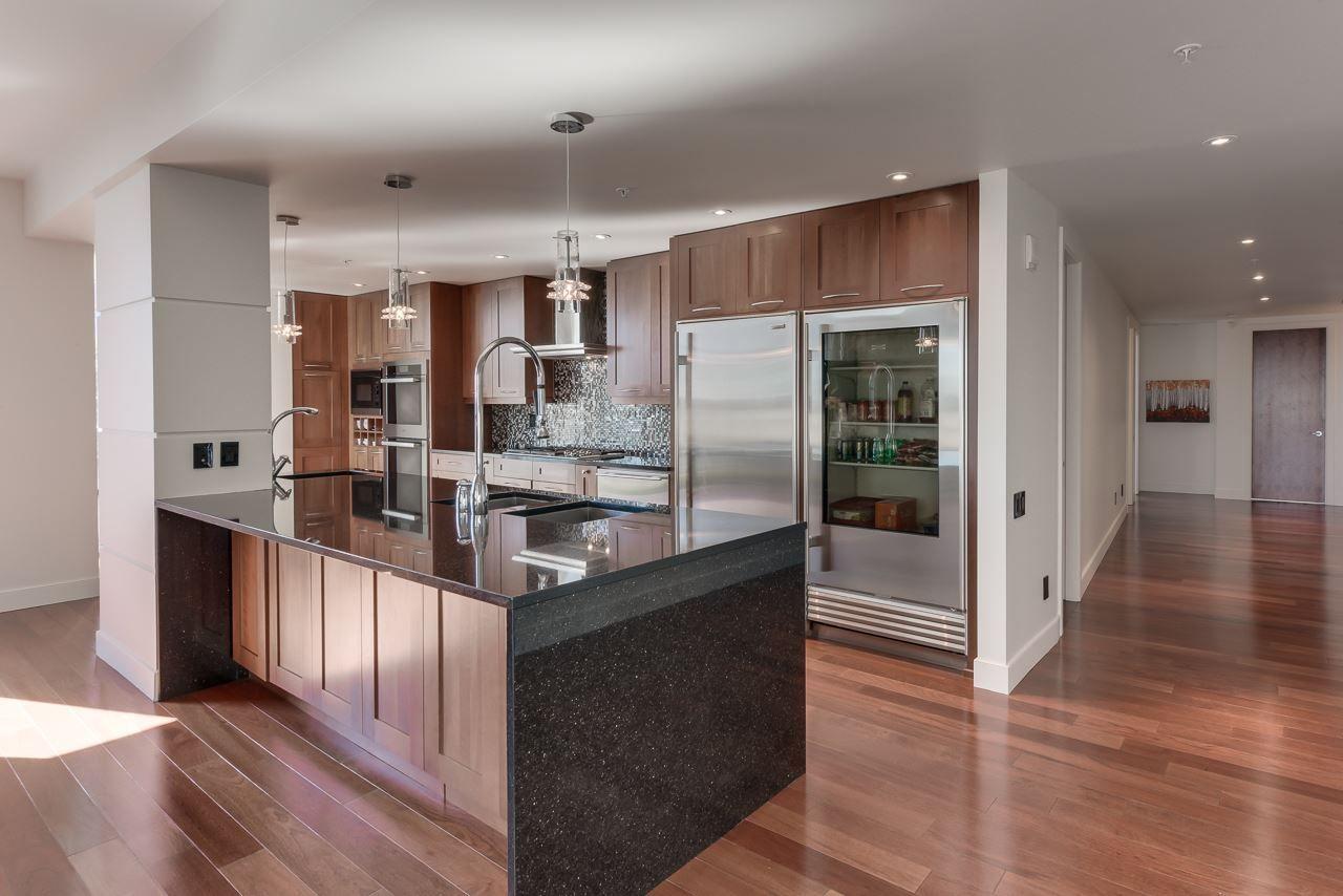 Photo 12: Photos: 1200 11933 JASPER Avenue in Edmonton: Zone 12 Condo for sale : MLS®# E4208205