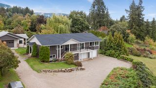Photo 3: 2660 Northeast 25 Street in Salmon Arm: S. APPLEYARD House for sale (NE Salmon Arm)  : MLS®# 10165234