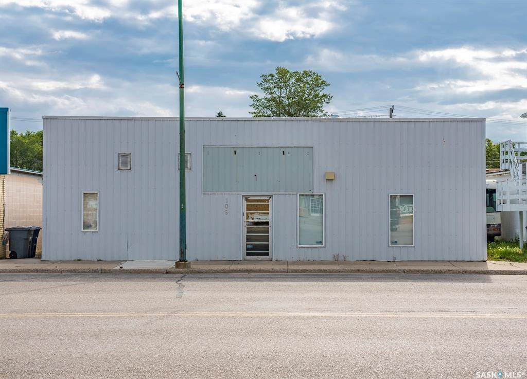 Main Photo: 109 Stanley Street in Cupar: Commercial for sale : MLS®# SK850109