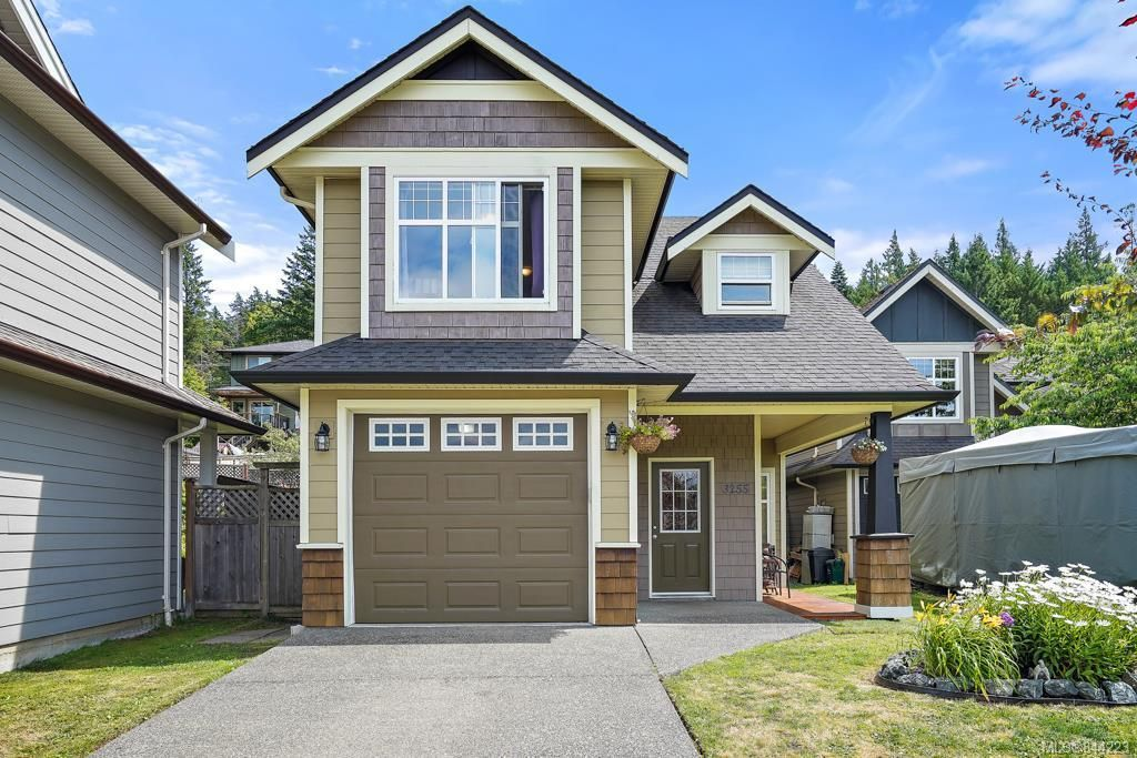 Main Photo: 3255 Willshire Dr in Langford: La Walfred House for sale : MLS®# 844223