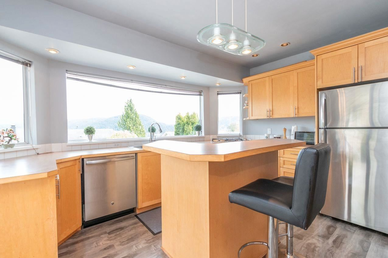 Photo 7: Photos: 715 HUNTINGDON Crescent in North Vancouver: Dollarton House for sale : MLS®# R2588592
