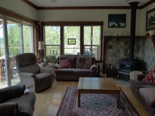 Photo 3: 462 Pachena Road in Bamfield: House for sale : MLS®# 865724