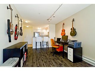 """Photo 8: # 305 155 E 3RD ST in North Vancouver: Lower Lonsdale Condo for sale in """"THE SOLANO"""" : MLS®# V1024934"""