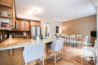 """Photo 8: 11 5950 OAKDALE Road in Burnaby: Oaklands Townhouse for sale in """"Heather Crest"""" (Burnaby South)  : MLS®# R2209640"""