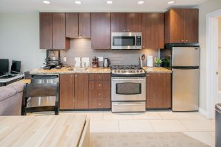 """Photo 11: 14 1863 WESBROOK Mall in Vancouver: University VW Townhouse for sale in """"Esse"""" (Vancouver West)  : MLS®# R2354042"""