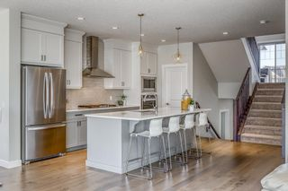 Photo 8: 32 West Grove Place SW in Calgary: West Springs Detached for sale : MLS®# A1113463