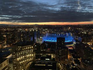 """Photo 33: PH6 777 RICHARDS Street in Vancouver: Downtown VW Condo for sale in """"TELUS GARDEN"""" (Vancouver West)  : MLS®# R2463480"""